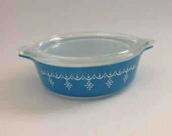 Pyrex 471 Snowflake Garland 1-Pint Casserole Dish