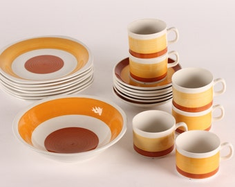 6 Stina Cups incl dishes (19 items) F 555 by Helmer Ringstrøm and Gefle in Sweden - mid century