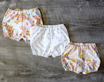 Baby girl bloomers, baby girl clothes, bloomers, diaper cover, toddler bloomers, infant bloomers, infant clothing, floral bloomers