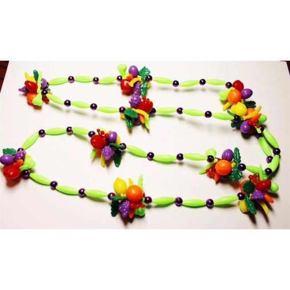 Vintage fun plastic fruit beads tropical neclace chicita
