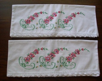 Vintage Pair Pillowcases, Pair of Pillow Covers, Embroidered Pillowcases, Cotton Pillowcases,  Red Pillowcases, Pillowcases Crochet