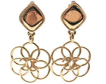 Vintage Chanel Gold Plated Argyle Flower CC Clip on Earrings