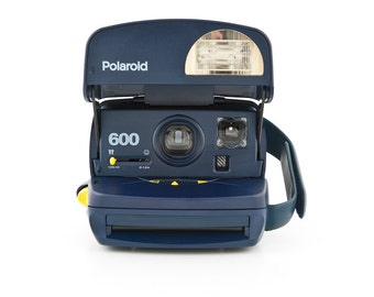 Polaroid 600 Blue Instant Camera - Tested and Working - 90s Polaroid Round body with closeup lens