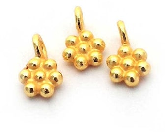 5mm daisy charm (1) gold on st. silver , gold vermeil daisy charm , gold beaded loop charm