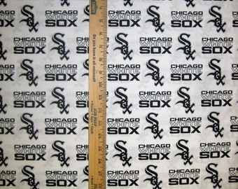 MLB Logo Chicago White Sox 6636B White Cotton Fabric by Fabric Traditions! [Choose Your Cut Size]