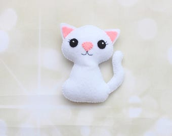 Felt cat ornament cat decoration Cat plush Stuffed cat Kitten ornament cute cat Pet portrait Pet memorial Cat magnet Stuffed kitten plush