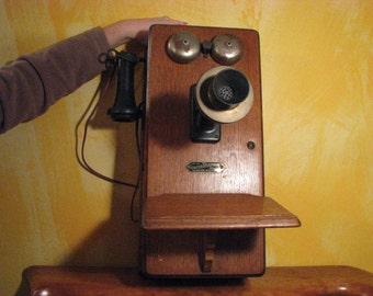 Antique Sumter Wall Telephone