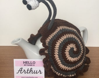 ARTHUR Crochet Snail Tea Cosy fits 5 cup teapot 3 colours: chocolate, dark grey, beige