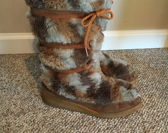 Vintage SNOWLAND Faux Fur Moon Boots Sexy Wedge Heel Ski Board Snow After Ski 1970's Boots Size 9 Size 10/ 70's Fuzzy Faux Fur Lace up Boots
