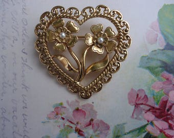 Avon Antique Heart Brooch
