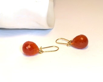 Carnelian dangle earing.18 Kt yellow gold handmade drop earing.Orange natural gemstone earing.Boho chic earing.Italian Jewelry.Made in Italy