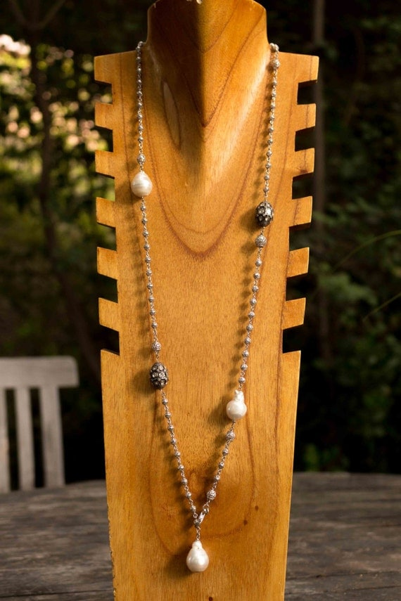 White Gold and Pearl Chain Necklace