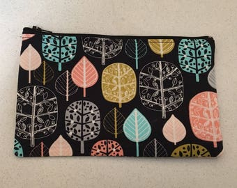 Black and coloured trees zip bag.