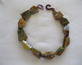 French Designed Chunky Resin Choker Necklace In Beautiful Earth Colors