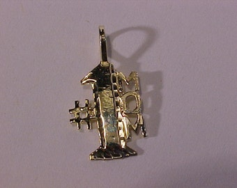 10k yellow gold (hallmarked) # 1 MOM pendant/charm-2.00 dollars  shipping