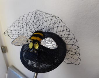 FASCINATOR * tulle veil and bumble bee * party * rockabilly * retro *