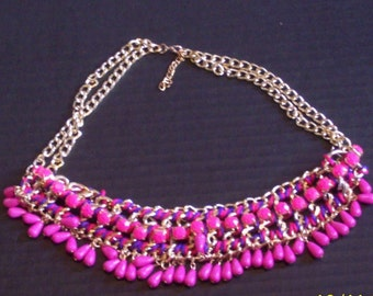 NECKLACE in PINK!