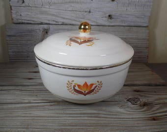 1920s Harker Pottery Bakerite Serving Dish With Lid With 22K Gold Trim Modern Tulip Pattern Harkerware Bakerite Cookware Americana Decor