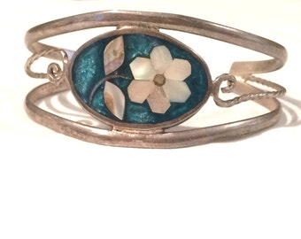 Vintage Bracelet Bangle Daisy/Flower Mother of Pearl MOP Abalone Shell Alpaca leaf  Aqua Green