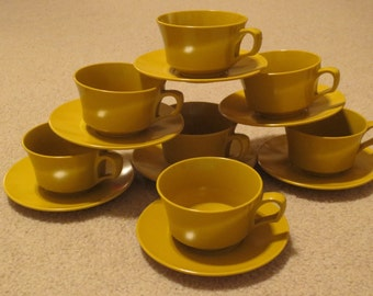 Set of 7 Vintage Gold Melmac Coffee Cups And Saucers, Mustard Yellow Coffee Cups, Vintage Kitchen