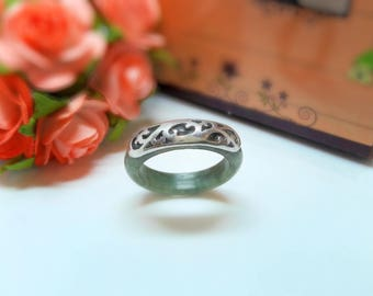 Jade Ring With Sterling Silver 925.