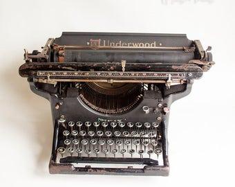 Vintage Antique 1909 Underwood No. 3 Typewriter 16 Inch Carriage, Edwardian, Serial No. 39044.