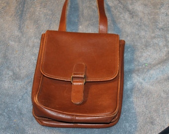 Vintage Eddie Bauer Crossbody, Messenger Bag, Purse, Brown, Some Wear, However Great Bag Two Flaps That Keep Items In Bag Very roomy Leather