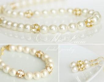 Gold Wedding Jewelry Set, Swarovski Pearl Gold Bridal Jewelry Set, Gold Pearl Necklace Gold Earrings Bracelet Set,  art. e02-b04-n01