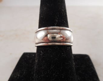 James Avery Sterling Silver Regal Wedding Band Size 8