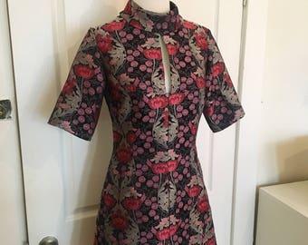 CLOSET MOD Jaquard 1960's cut out Shift Dress