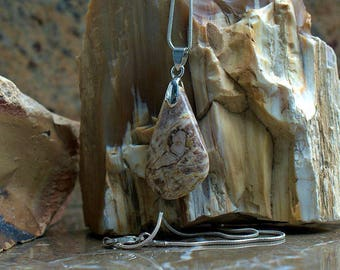 Petrified wood fossolised wood pear shape pendant brown pattern stone with necklace