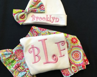 Baby Girl Monogrammed 3piece Coming Home Outfit with Monogrammed Baby Beanie Ruffle Pants Baby Girl Bodysuit Newborn Pictures