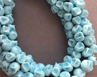 1930's Pretty Blue Flower Glass Beads Necklace