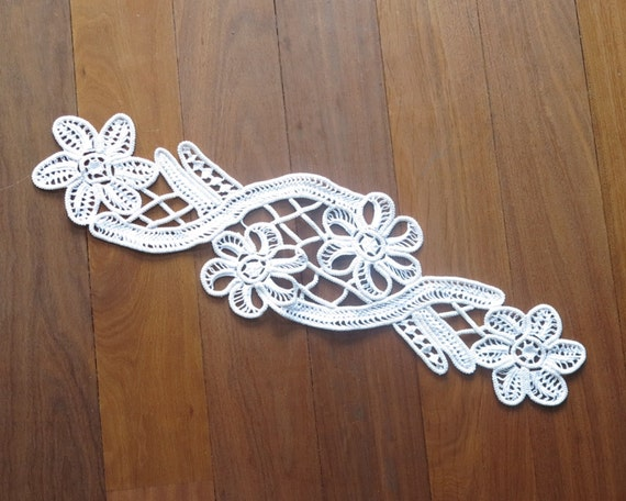 Large Romanian Point lace applique, white macrame lace, hand made, flowers and other embellishments, 17.5 inches / 45 cm