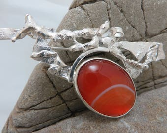 Brooch in sterling silver and big red sardonyx