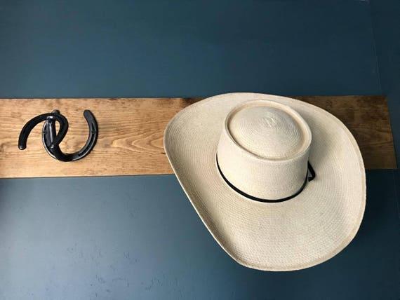 Horseshoe hat rack - Perchero para sombreros ...