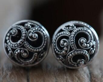 Ombak Segara Mini Subeng Silver Stud Earrings / Sea Waves Ornamentation / Balinese Style Earrings / 925 Sterling Silver / Fine Quality