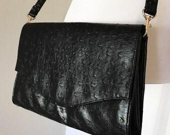 Vintage Black Ostrich Purse. Vintage Black Ostrich Textured Handbag. Demure Black Handbag. Faux Ostrich Leather Handbag.