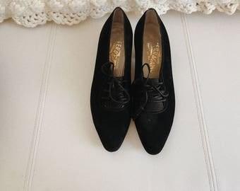 vintage ferragamo suede heels/vintage heels/vintage salvatore ferragamo heels/salvatore ferragamo/vintage shoes
