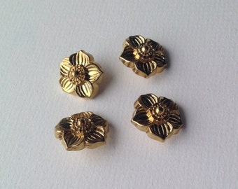 Set of Four Vintage Gold Tone Buttons. Flower Shape buttons metal fastenings. Sewing / craft supplies