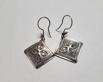 Small Tuareg Earrings, Tuareg Jewelry, Tribal Earrings, Ethnic earrings, Tuareg Earrings, West Africa jewelry