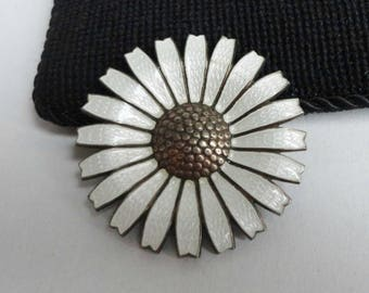 Very Rare 40s Anton Michelsen Daisy Flower Vintage Enamel Brooch With Chiselling // Sterling Silver 925