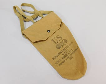 Original WW2 Vintage M1A2-1-1 Civilian Noncombatant Gas Mask Bag Medium Adult US Army Issue Canvas Dittybag J.J.B. Lot 41-2