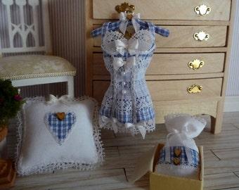 Romantic lingerie in 1:12 scale
