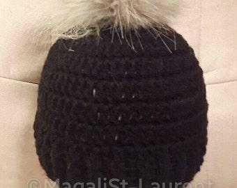Woman pompom Beanie fake fur