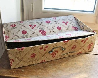 Antique French cartonnage box for cloth/  beginning of 20th century fabric box / vintage french boudoir box / Vintage storage box