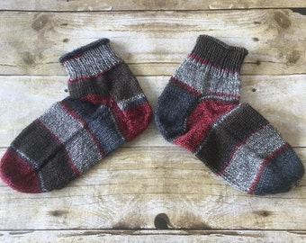 HANDMADE Women's sz 8-8.5 Bed Booties - Wool - Grey and Red -  Comfortable and Cozy