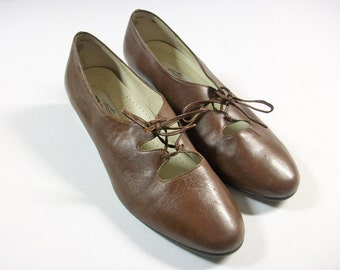 Trotters Brown Leather Shoes 9W, Women's Vintage Tie Up Shoes, Vintage Brown Shoes, Vintage Trotters Shoes