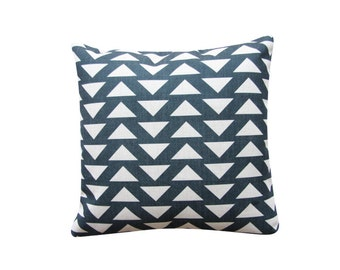 "Triangles Scandinavian Pillow Cover, 18"" x 18"" Geometric Cushion, Throw Pillow, Accent Cushion, Black and White Modern Minimalist 233"