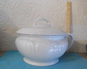 Johnson Bros English Ironstone White Beaded Chamber Pot And Lid